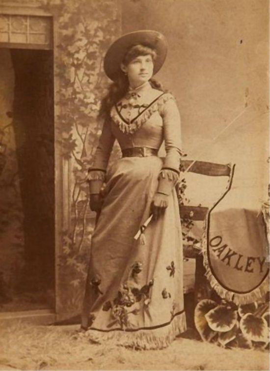 Женщина одетая в стиле кантри 19 век фото