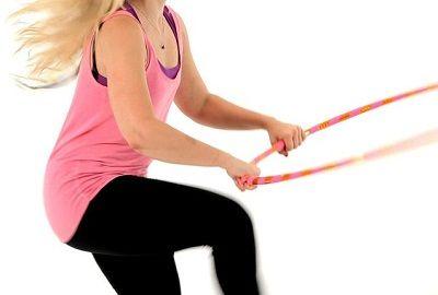 Упражнение прыжки с обручем фото
