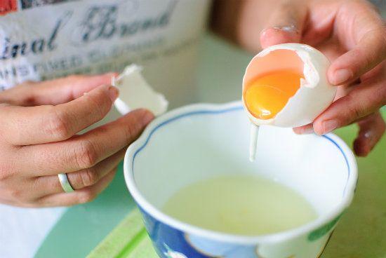 Взбиваем яйца фото