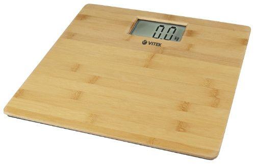 Напольные весы с поверхностью из дерева фото