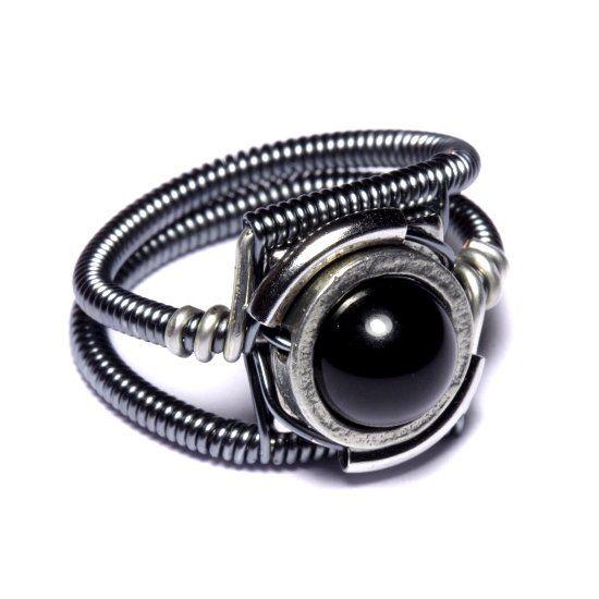 Кольцо из камня гематит фото