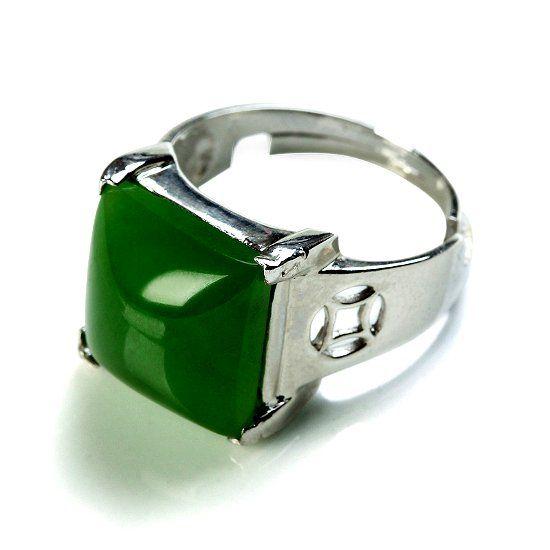 Перстень с нефритом фото
