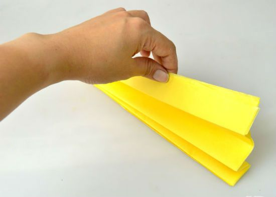 Помпон из бумаги способ 2 шаг 2