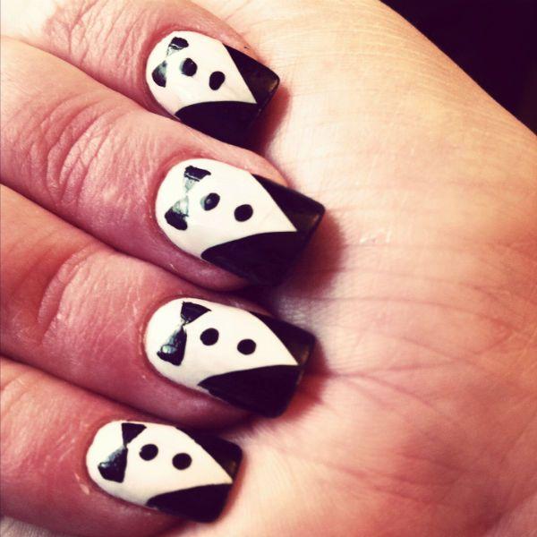 Костюм на коротких ногтях фото