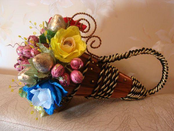 Цветочная композиции из конфет фото