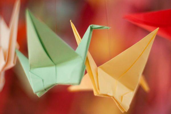 Готовый журавль оригами фото
