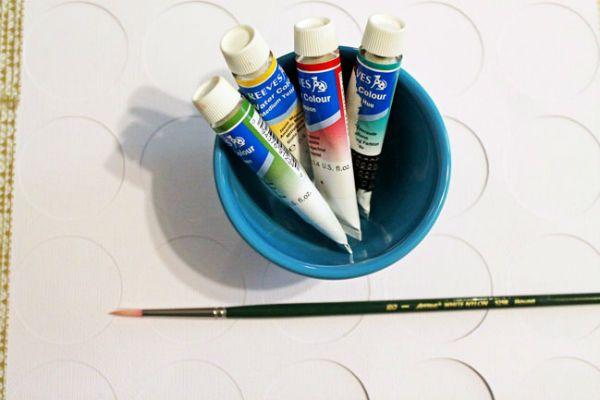 Необходимые краски и кисти  фото
