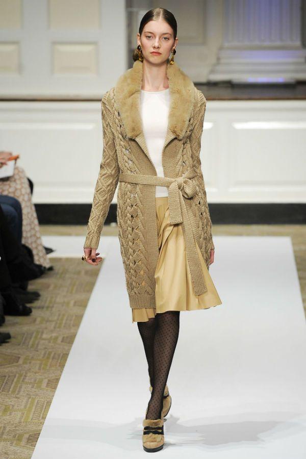 Модные варианты вязаных пальто фото