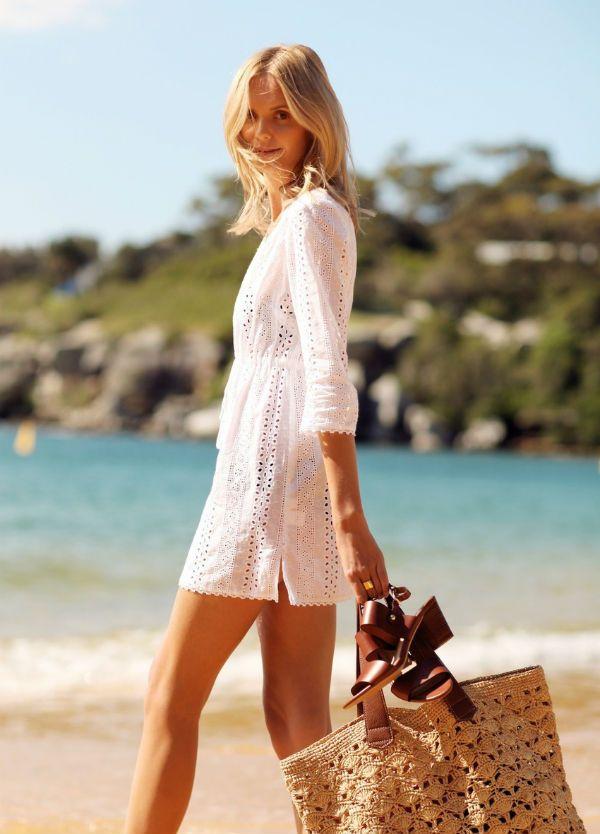 Пляжное вязаное платье фото