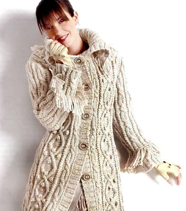 Вязаное спицами пальто фото
