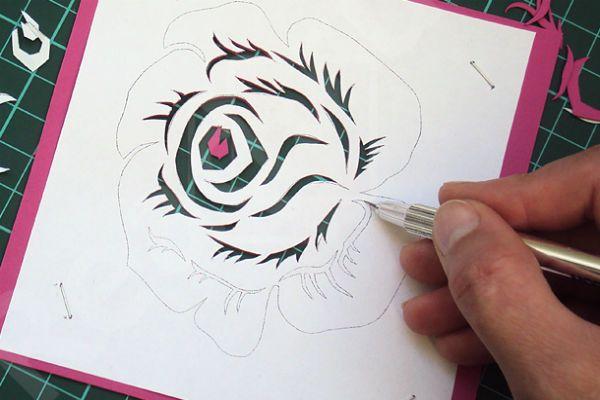 Вырезаем шаблон розы фото