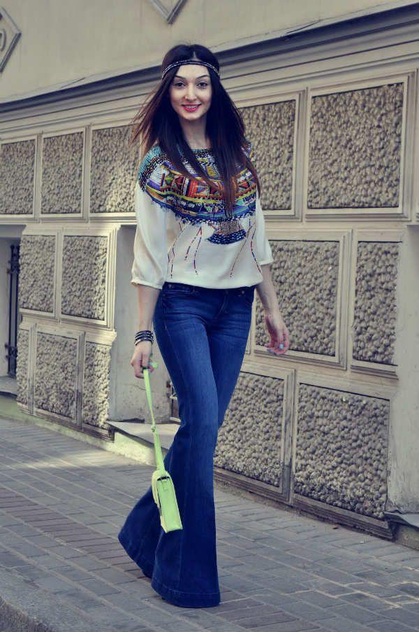 Женские джинсы клеш фото