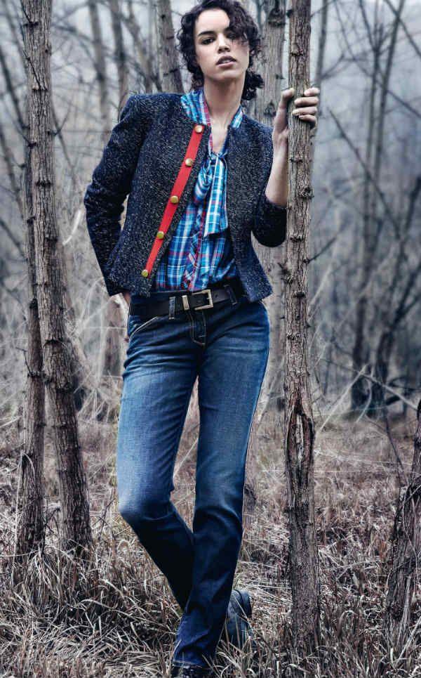 Женские синие джинсы фото
