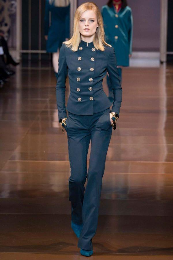 Женский пиджак в стиле милитари фото