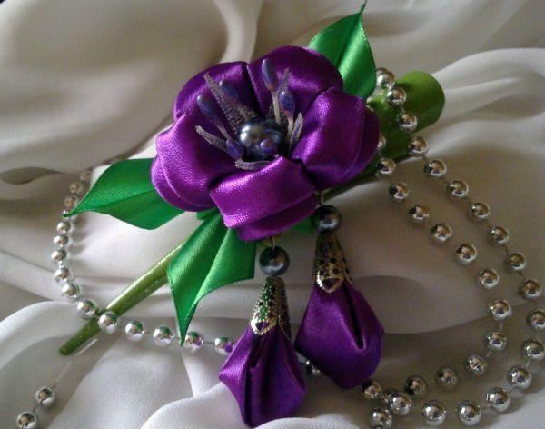 Цветок канзаши из лент фото