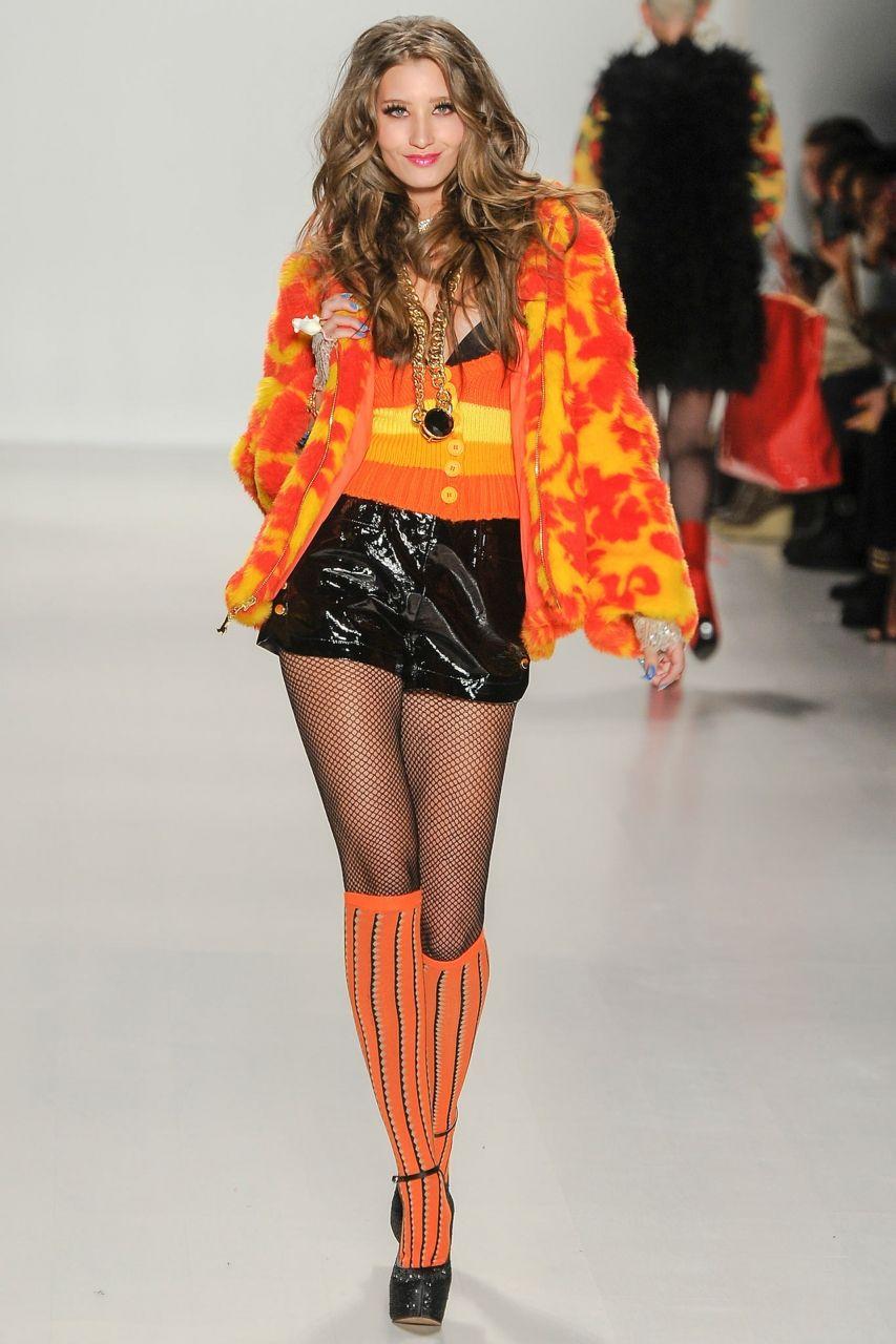Гольфины оранжевые фото