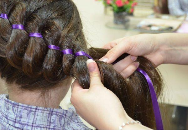 Готовая коса с лентой фото