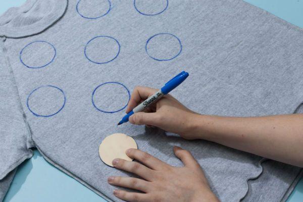 Распределяем круги по поверхности футболки фото