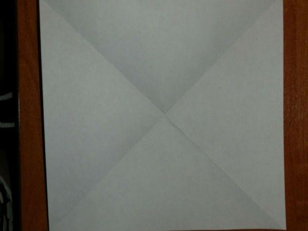 Складываем квадратный лист бумаги фото
