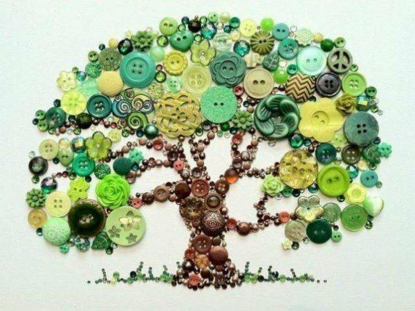 Дерево из пуговок фото