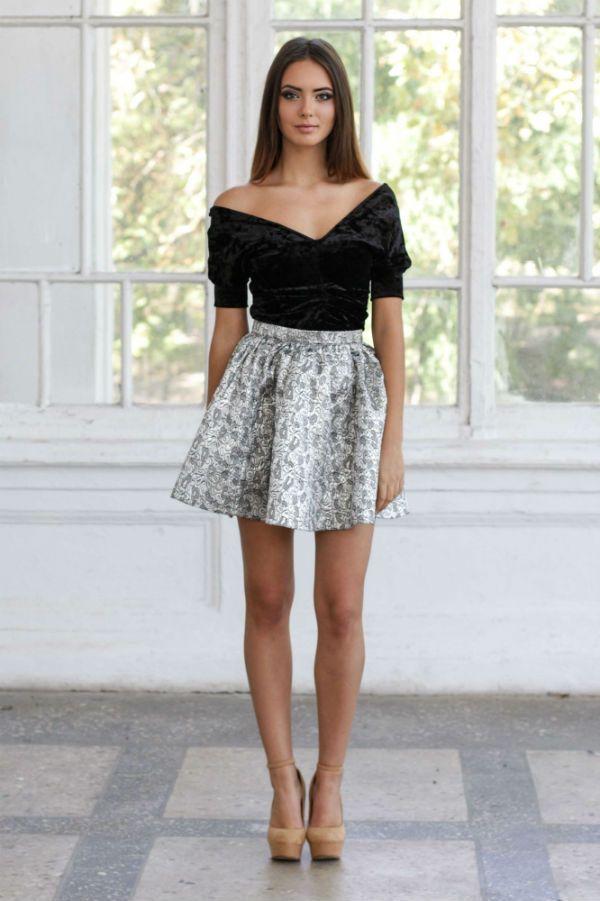 Короткая юбка с завышенной талией фото