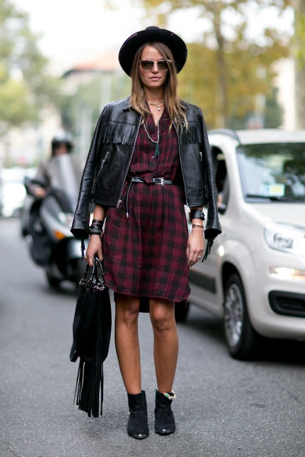 Кожаная куртка с платьем фото