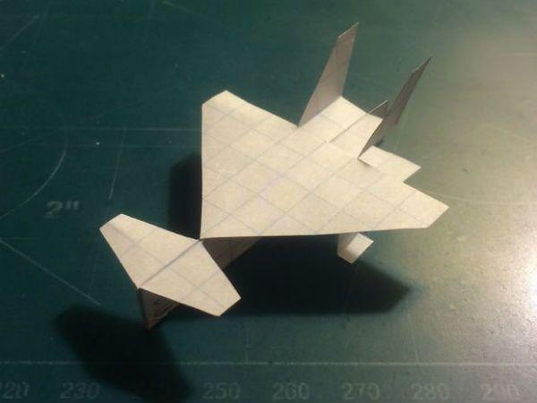Самолет в технике киригами фото
