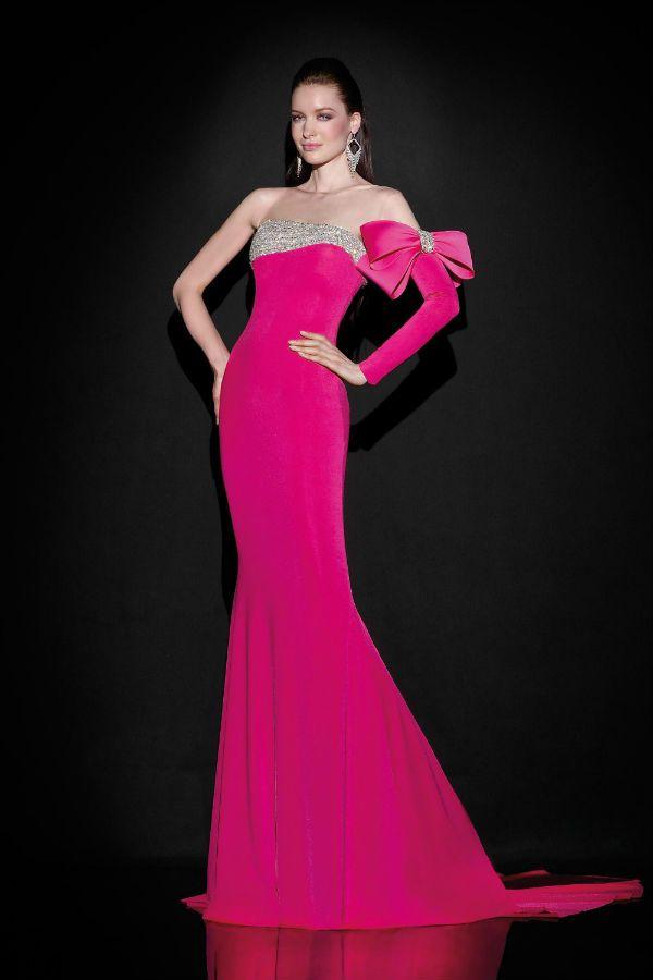 Вечернее платье с одним рукавом фото