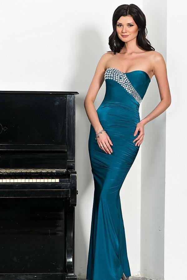 Вечернее платье-статуэтка фото