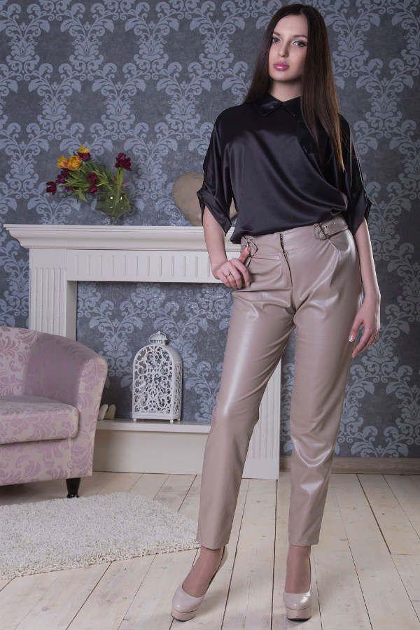 Деловой стиль и кожаные брюки фото