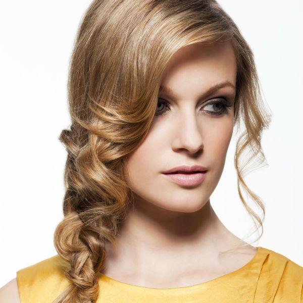 Коса на бок фото