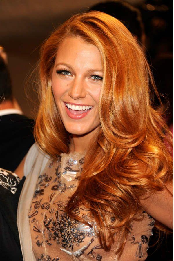 На рыжих волосах фото