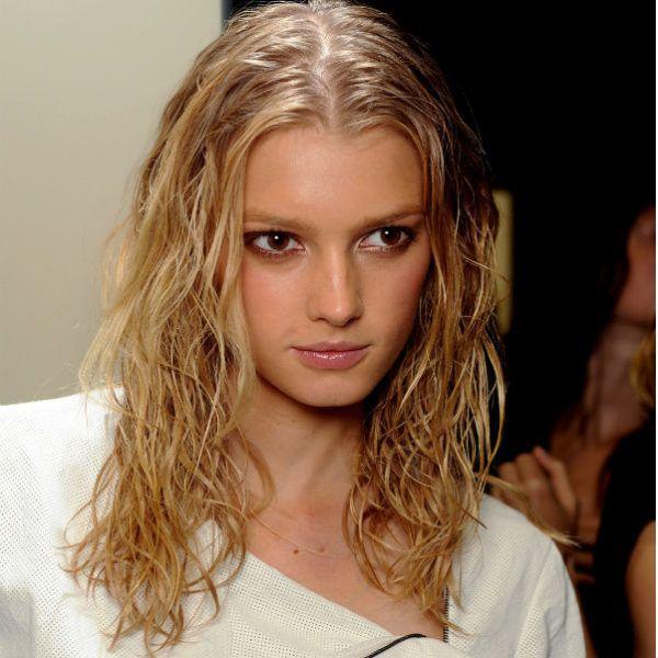 Эффект мокрых волос фото