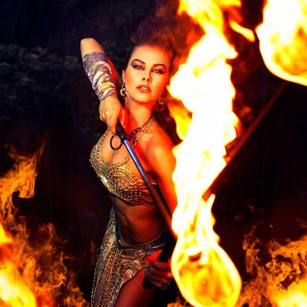 Амазонка в огне фото