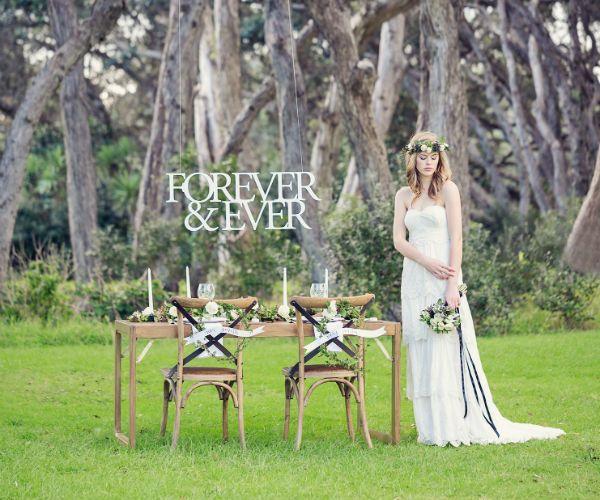 Оформление фотозоны для свадебной фотосессии осенью фото