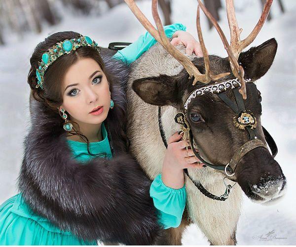 Девушка с оленем фото