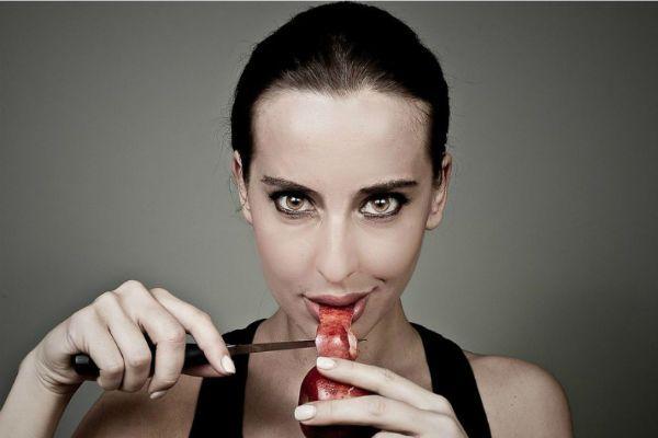 В стиле Джоли фото