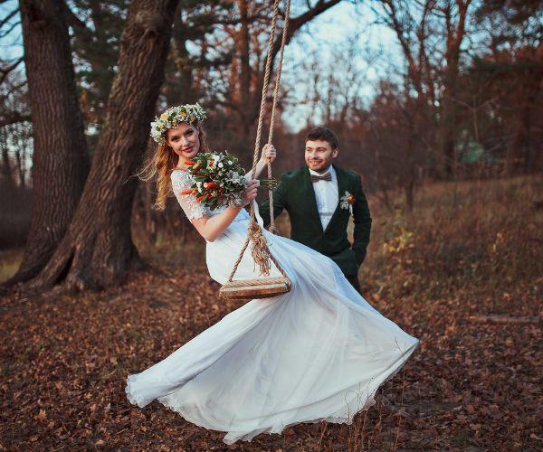 Невеста на качелях фото