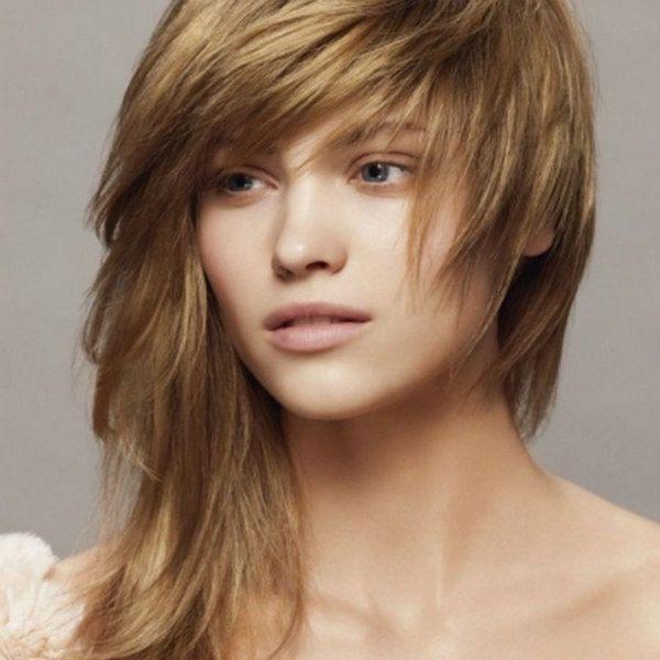 Рваная асимметрия на средние волосы фото