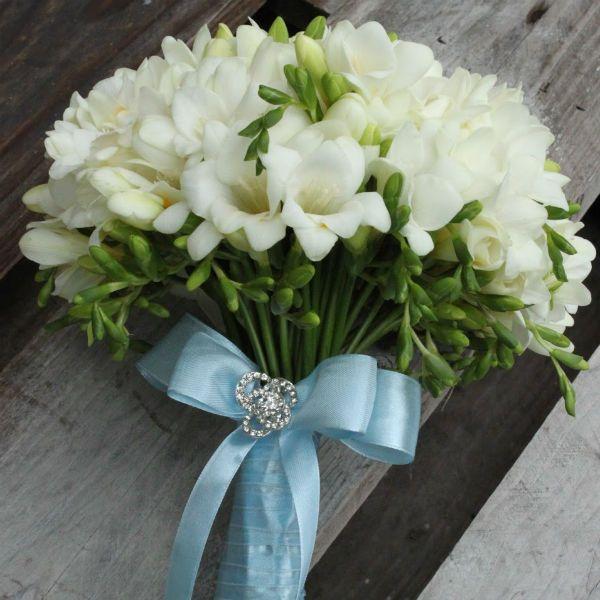 Свадебный букет из фрезий фото