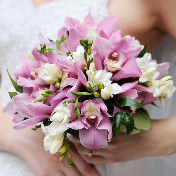 Букет из розовых орхидей фото