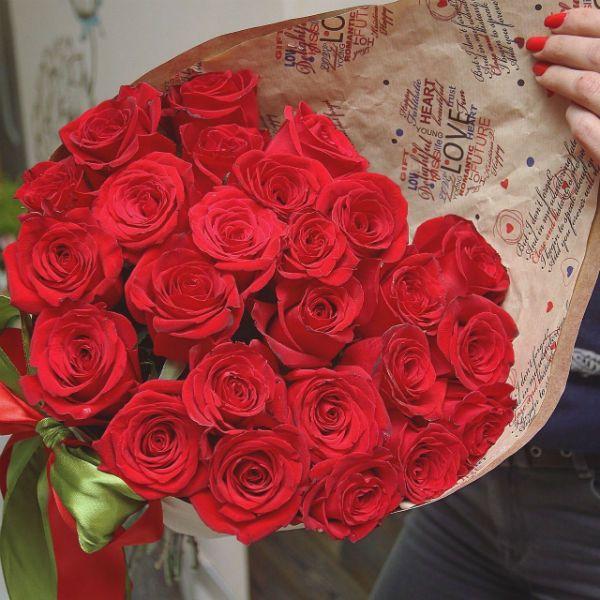 Букет из красных роз фото