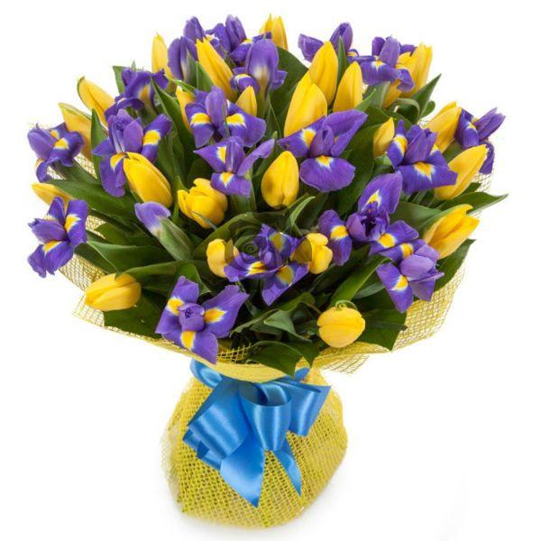 Букет из тюльпанов и ирисов фото
