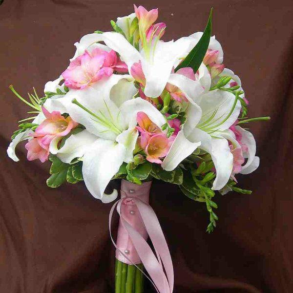 Свадебный букет из лилий фото