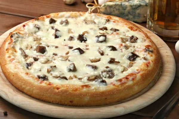 Баклажанная пицца фото