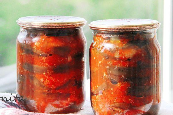 Баклажаны с яблочным вкусом в томатном соусе фото