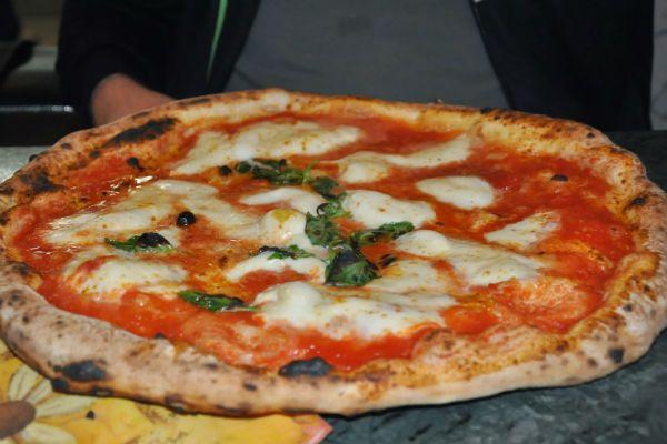Пицца из питы фото