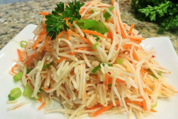 Салат из сырых овощей фото