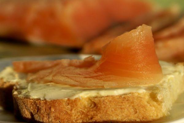 Закуска из красной рыбы фото