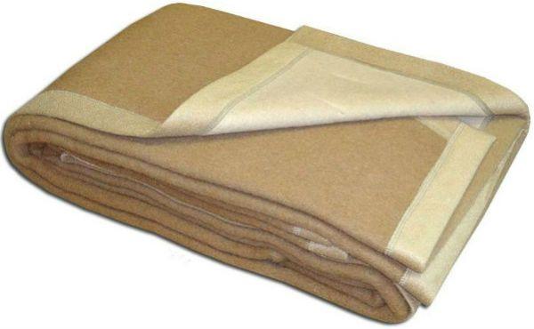 Одеяла и ковры из верблюжьей шерсти фото